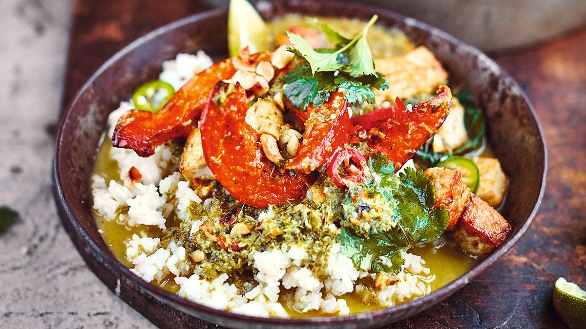 Tajskie Zielone Curry Z Pieczona Dynia Pizmowa Tofu I Fistaszkami