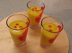 Koktajl z mango i mleka kokosowego
