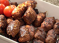 Rumuńskie pikantne smażone kiełbaski bez osłonek
