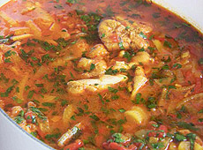 Duszony kurczak z pomidorami i fenkułem