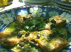 Smażony ser halloumi z sosem winegret z limetką i kaparami