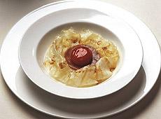 Marynowane żółtko z lekkim fondue z parmezanu