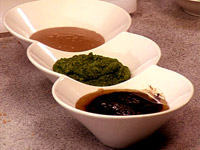 Bagna cauda - gorący sos z czosnkiem i anchois