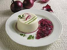 Bavarese serowe z konfiturą z czerwonej cebuli