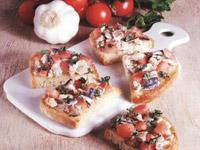 Grzanki z sardelami i pomidorami