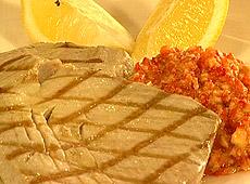 Tuńczyk romesco