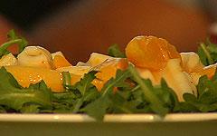 Sałata z mango, chili i kalmarami
