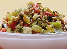 Sałatka warzywna z pszennym pęczakiem