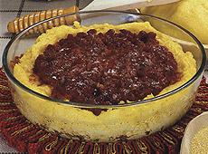 Zapiekana polenta z ragout mięsnym