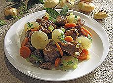Potrawka mięsna z cebulkami