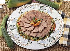 Sztuka mięsa z warzywami