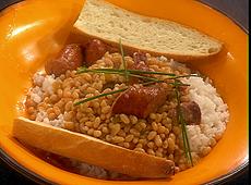 Fasolka w stylu kreolskim z kiełbasą andouille i ryżem