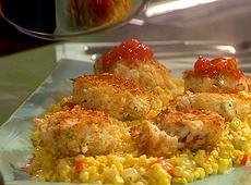 Placuszki z kraba z kukurydzianym maque choux i dżemem pomidorowym