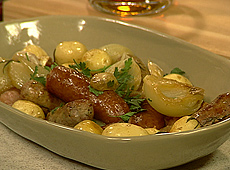 Kiełbasa zapiekana z ziemniakami
