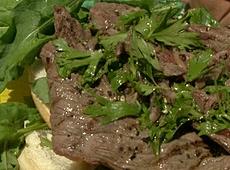 Steki z grilla z dressingiem z anchois
