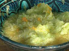 Sałatka z ogórków pomarańczowo-cynamonowa