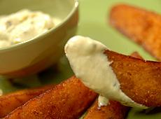 Ziemniaki panierowane z sosem musztardowym
