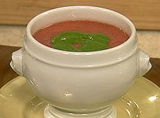 Aksamitna zupa pomidorowa z przecierem szpinakowym