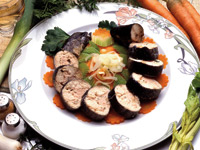 Troć faszerowana nadzieniem z pstrąga, warzyw i grzybów