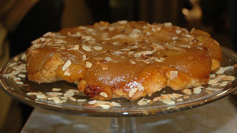 Tarta tatin z jabłkami i kruchym ciastem