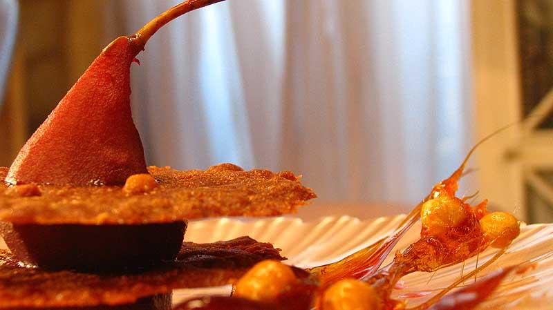 Gruszka z waflami orzechowymi