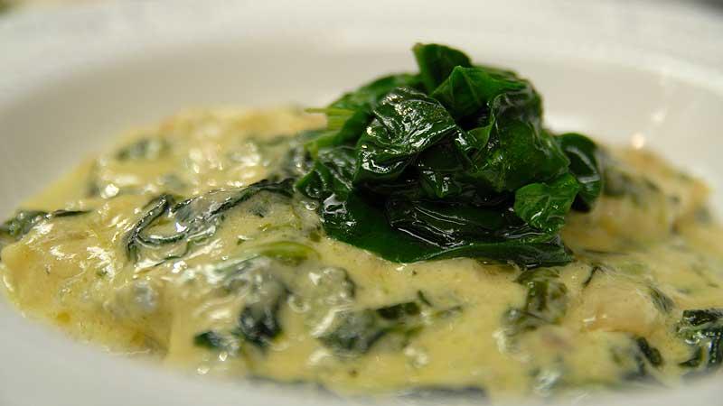 Sola w sosie z gorgonzoli i szpinaku