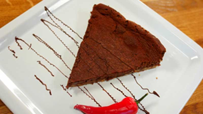 Tarta z czekoladą i chilli