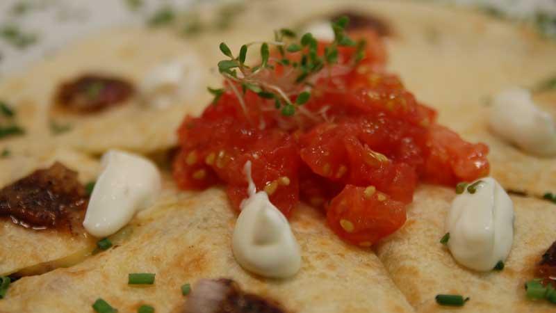 Quesadilla z serem pleśniowym