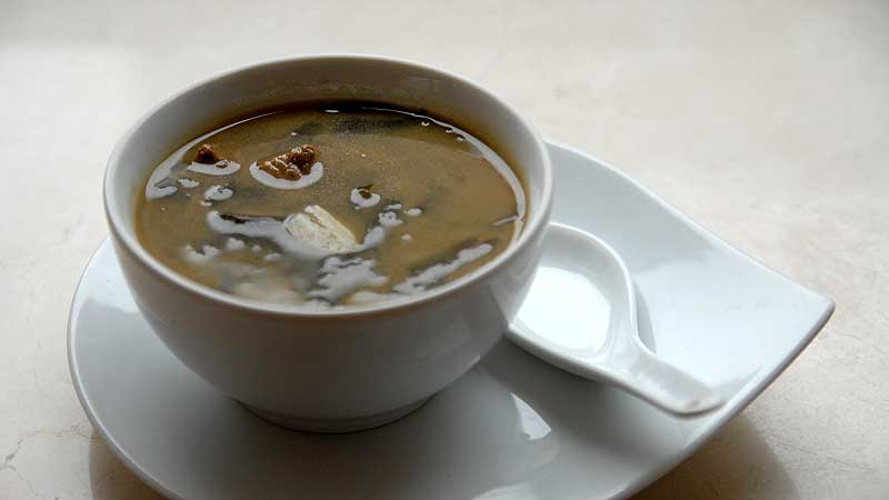 Zupa z glonami i wołowiną