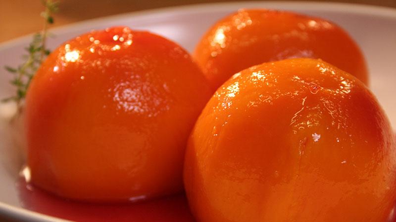 Brzoskwinie gotowane z tymiankiem