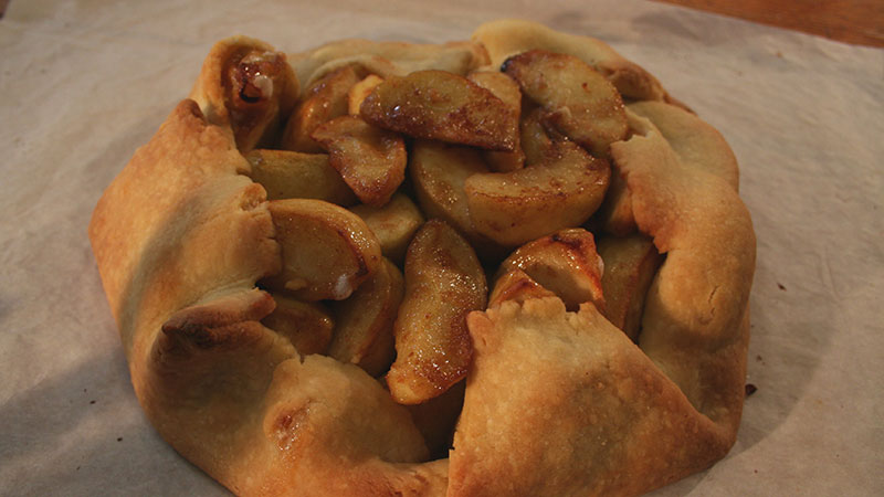 Rustykalne ciasto z jabłkami