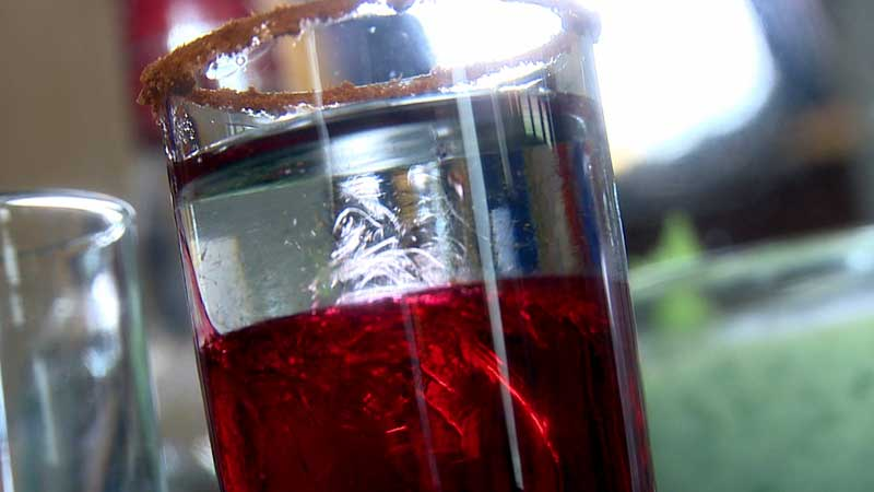 Shot biało-czerwony