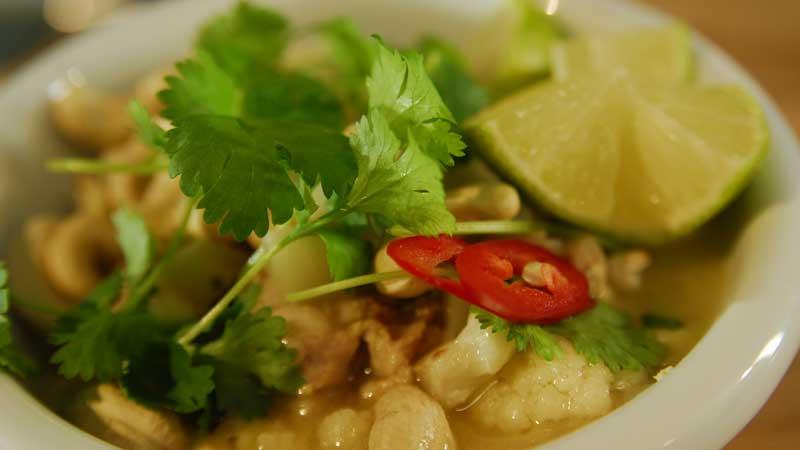 Jogurtowe curry z kurczakiem