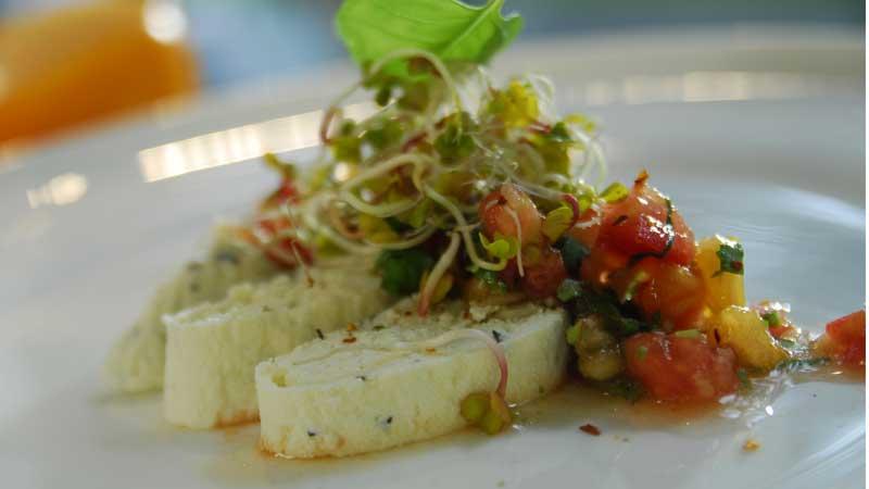 Panir z salsą pomidorową