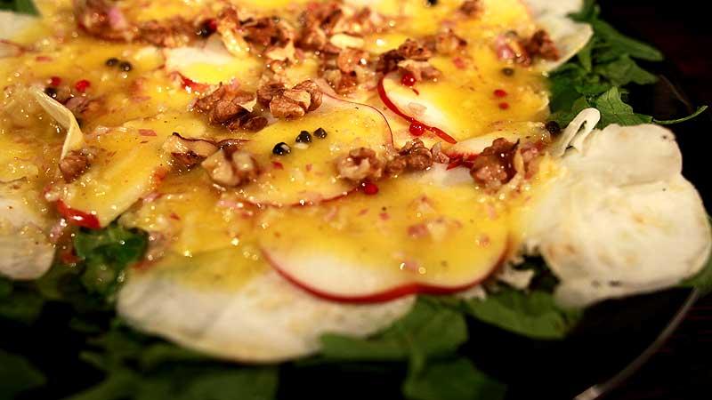 Miks trzech sałat z jabłkiem i selerem