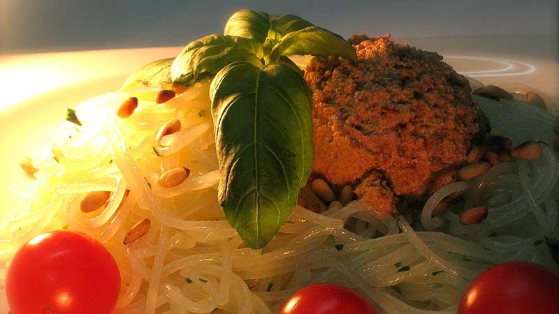 Spaghetti z sosem z suszonych pomidorów
