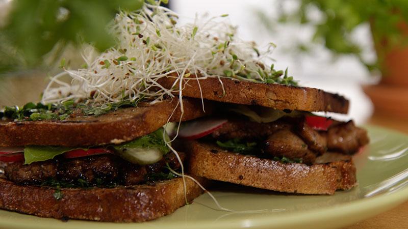 Lekki sandwich z cielęciny