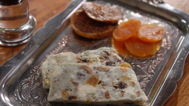 Teryna owocowa z serem pleśniowym