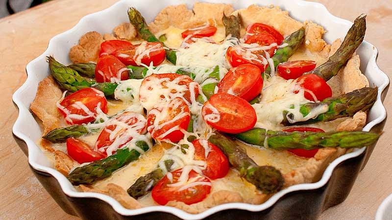 Tarta ze szparagami i bachanowską mozzarellą