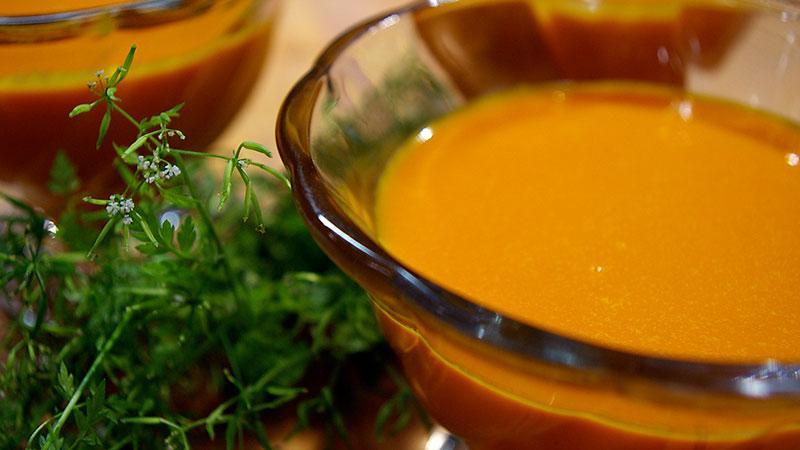 Zupa z marchewki i soku marchwiowego