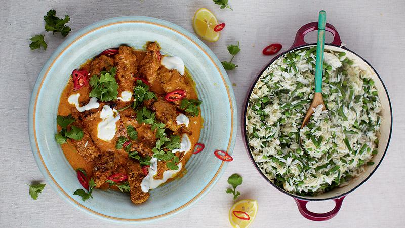 Kofty wołowe w curry i ryż z fasolką i groszkiem