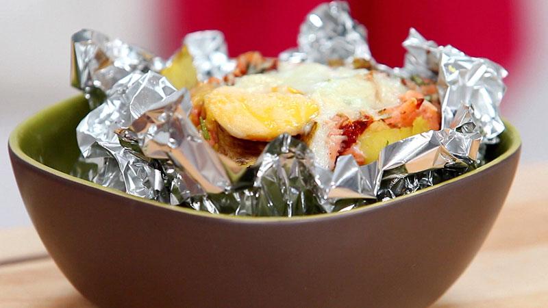 Ziemniaki pieczone z łososiem