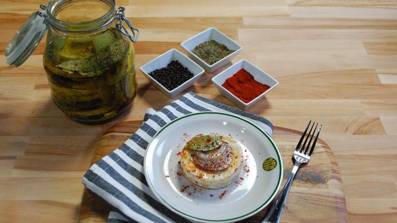 Ser typu camembert marynowany w oleju