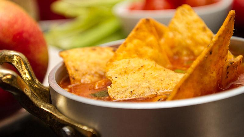 Zupa meksykańska z nachosami
