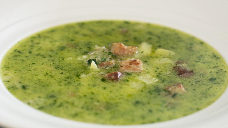 Zupa kartoflana z pietruszkowym pesto