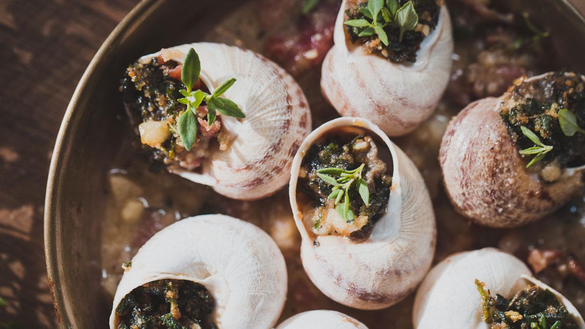 Zapiekane ślimaki w winnym sosie