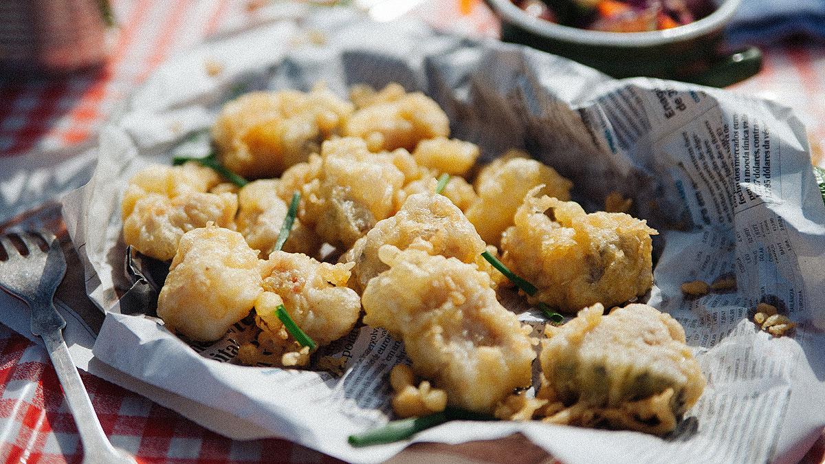 Ryby w tempurze z surówką coleslaw