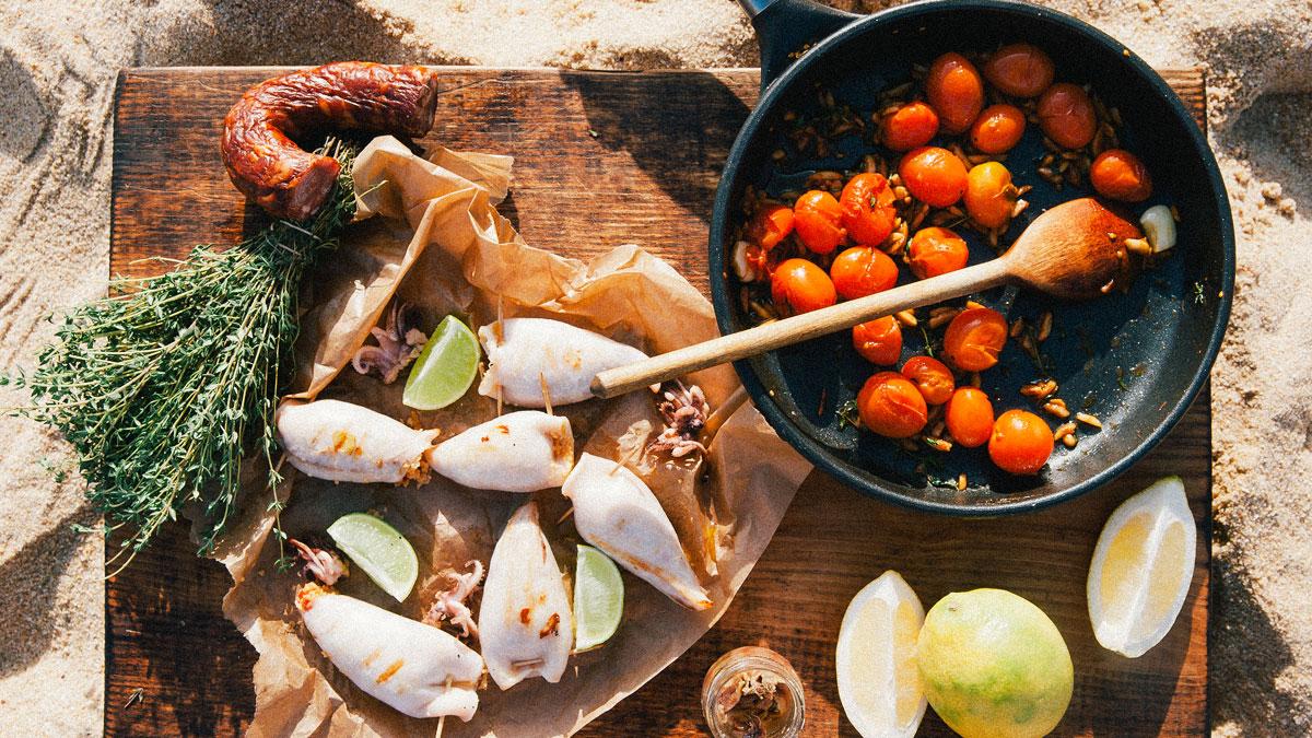 Faszerowane i grillowane kałamarnice z salsą pomidorową