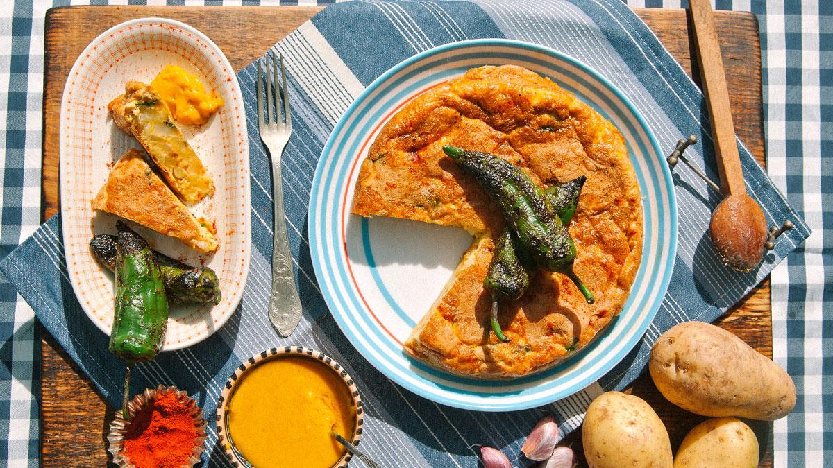 Tortilla de patata i aioli z wędzoną papryką