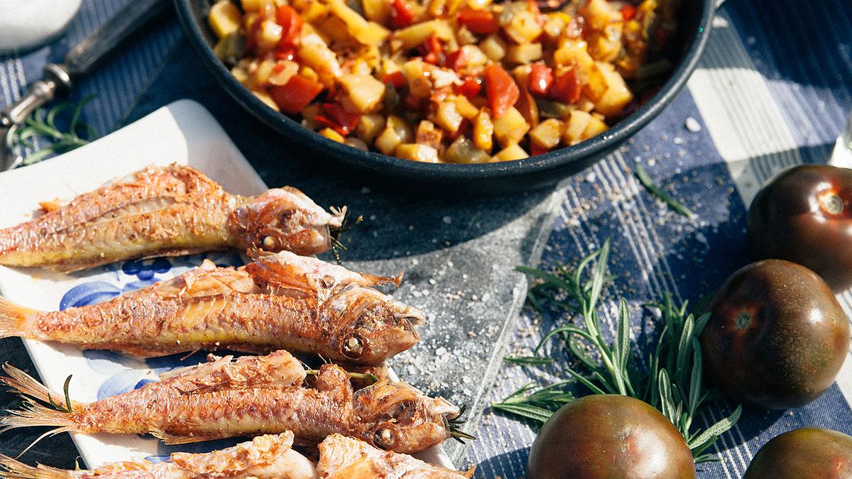 Barwena grillowana z rozmarynem i duszone papryki z ziemniakami